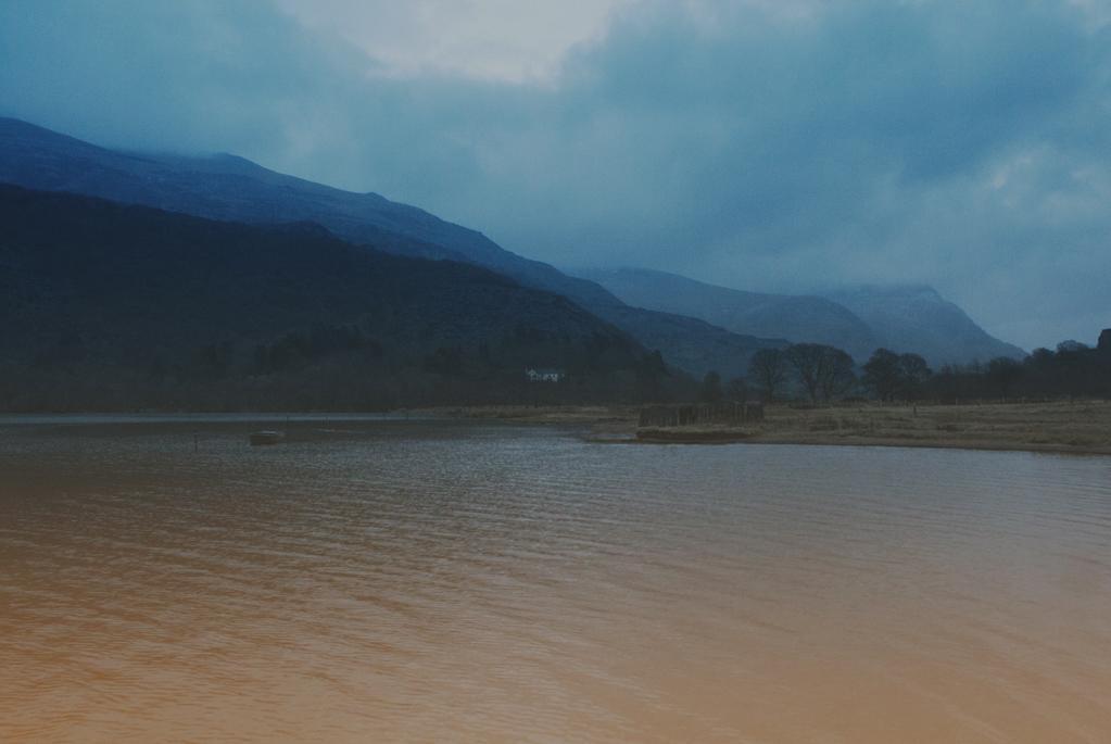 Set-01-Wales-01
